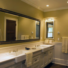 Traditional Bathroom by HP Rovinelli Architects