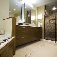 contemporary bathroom by InDesign / Lori Ludwick