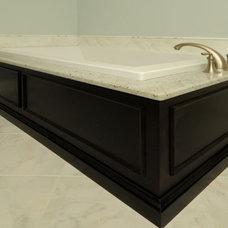 Bathroom by Innovative Construction Inc.