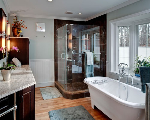 Example of a classic bathroom design in Baltimore with an undermount sink