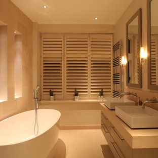 Photo of a contemporary bathroom in London.