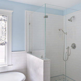 Example of an eclectic bathroom design in Boston