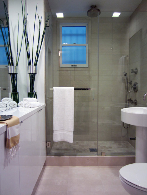 Example Of A Trendy Bathroom Design In San Francisco With A Pedestal Sink