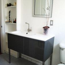 Modern Bathroom by Natalie Myers