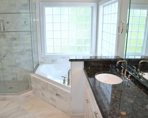 Corner garden tub ideas pictures remodel and decor for Corner garden tub