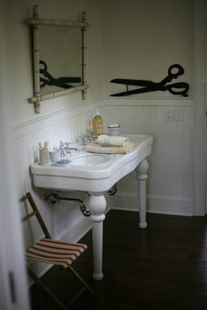 traditional bathroom Bathroom - Quentin Bacon