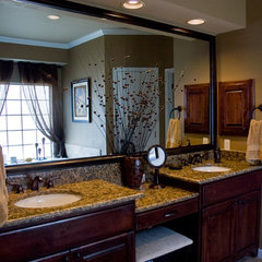 traditional bathroom by Adentro Designs