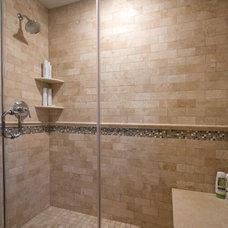 Traditional Bathroom by G.B. Construction & Development Inc.