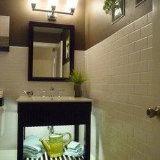 Eclectic Bathroom by Jan McQueen