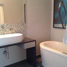 Contemporary Bathroom by Studio NOO Design