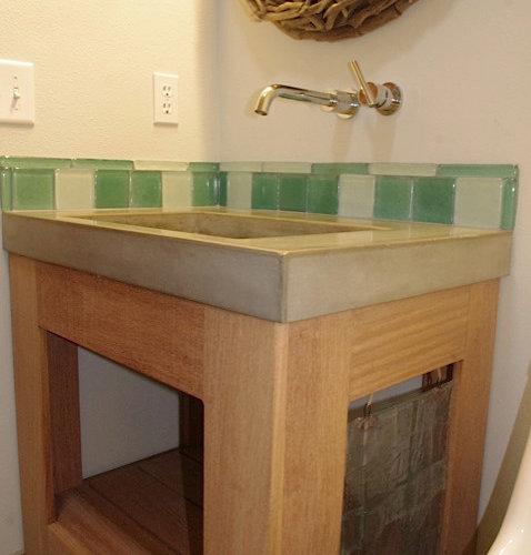 industrial badezimmer mit gr nen fliesen ideen beispiele. Black Bedroom Furniture Sets. Home Design Ideas