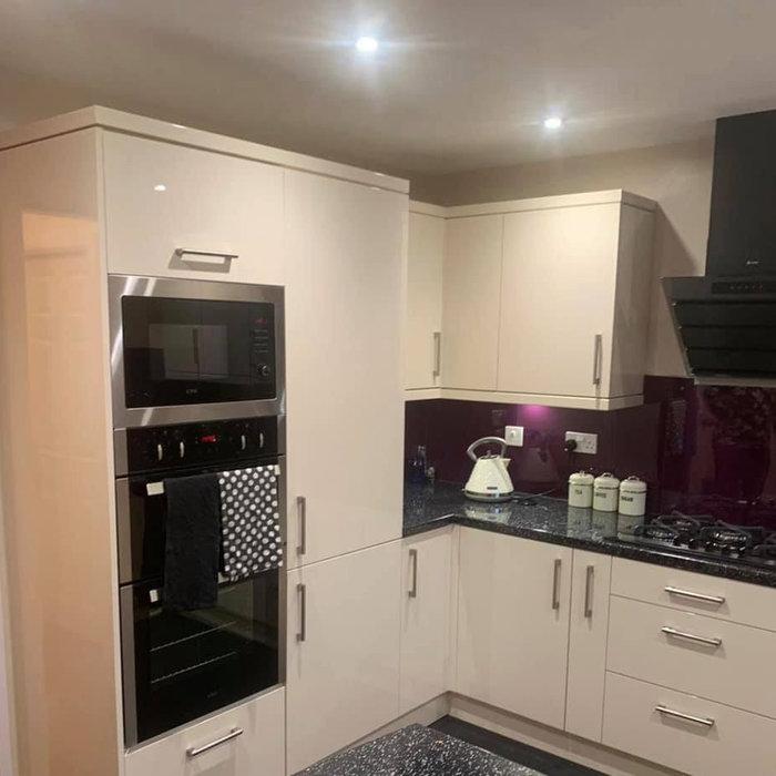 Kitchen with Burgundy Splashback