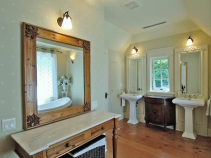 traditional bathroom by Kallweit Graham Architecture