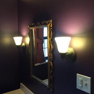 Immagine di una piccola stanza da bagno padronale chic con consolle stile comò, ante marroni, piastrelle arancioni, piastrelle in ceramica, pareti viola, pavimento con piastrelle in ceramica, lavabo integrato, top in pietra calcarea e doccia con tenda