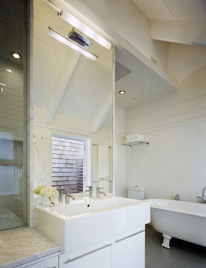 Beach Style Bathroom by Robert Young Architects