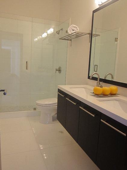 Modern Bathroom by Roca Miami, Inc