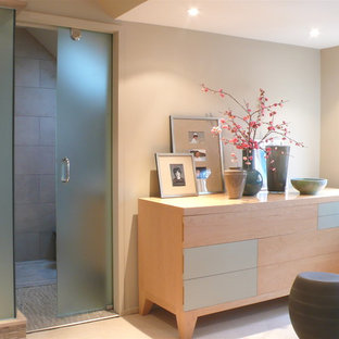 Inspiration for a modern alcove shower remodel in Toronto with flat-panel cabinets and light wood cabinets