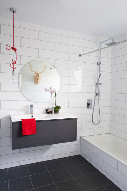 Contemporary Bathroom by Skyring Architects