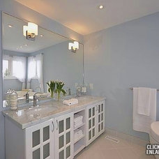 Modern Bathroom by soulstyle Interior Decorating & Home Staging