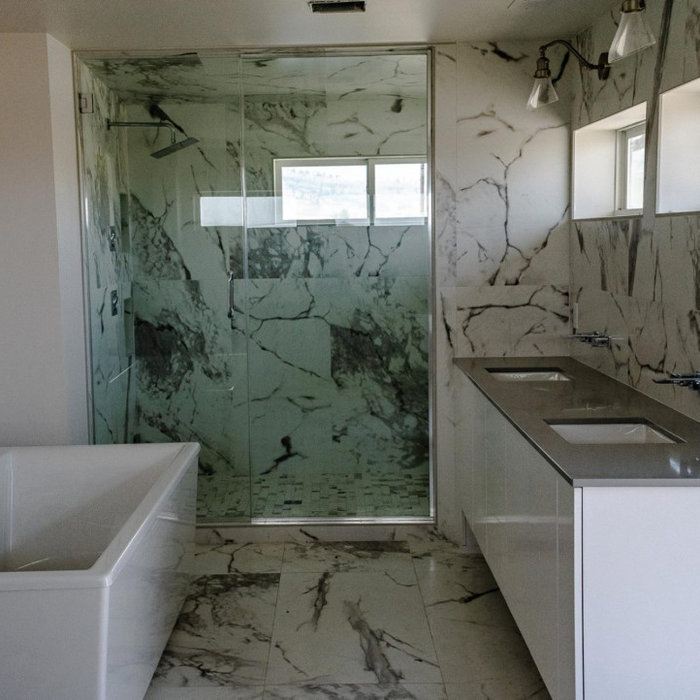 Bathroom - Custom Quartz Countertops