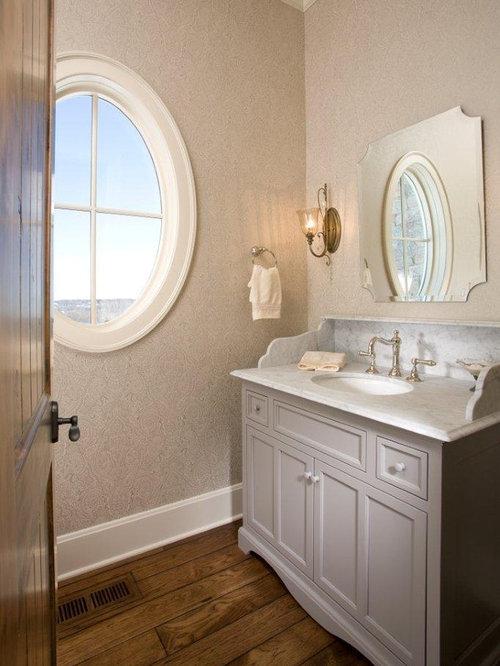 Bathroom baseboard home design ideas renovations photos for Baseboard ideas for bathroom