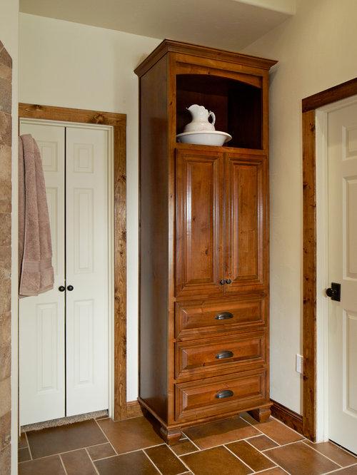 Custom Linen Closet Houzz