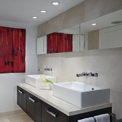 modern bathroom by Toby Zack Designs