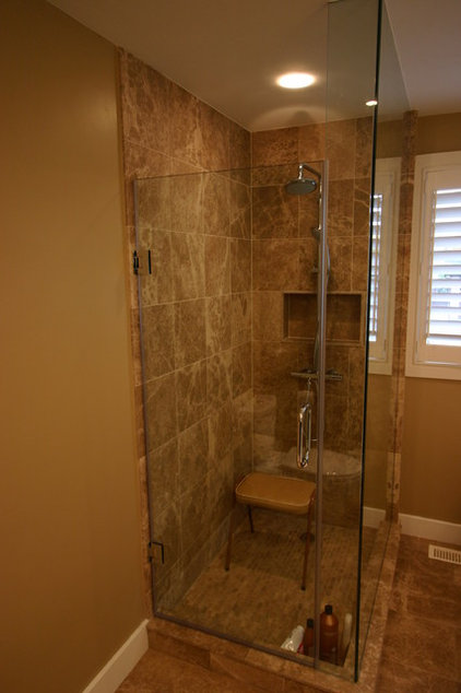 Contemporary Bathroom by HSG CONSULTING INC