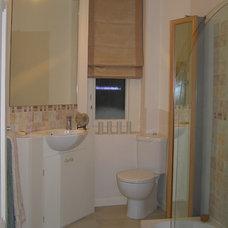 Eclectic Bathroom by Celia James