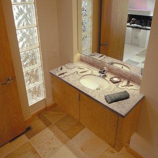 Example of a minimalist bathroom design in Salt Lake City