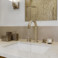 Contemporary Bathroom by Andre Rothblatt Architecture