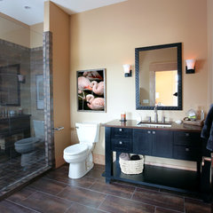 contemporary bathroom by Visbeen Associates, Inc.