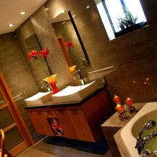 Modern Bathroom by Vivid Decor Design