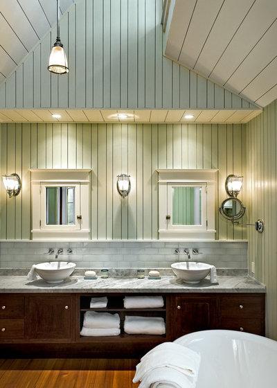 Beach Style Bathroom by Whitten Architects