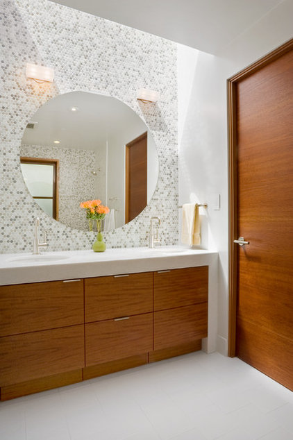 Contemporary Bathroom by William Duff Architects, Inc.