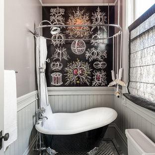 サンフランシスコのヴィクトリアン調のおしゃれな浴室 (猫足バスタブ、シャワーカーテン) の写真
