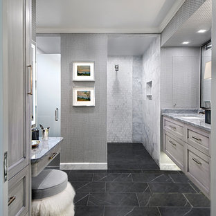 Bathroom with curbless shower