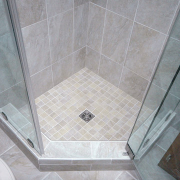 Bathroom with double niche and neo angle shower