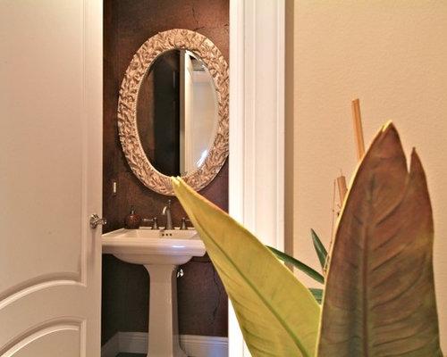kolonialstil badezimmer mit dunklem holzboden ideen f r. Black Bedroom Furniture Sets. Home Design Ideas