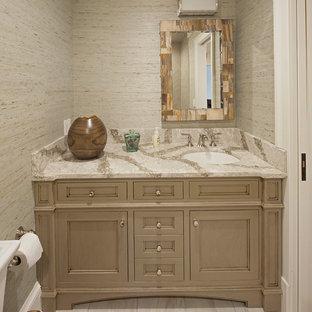 Ispirazione per una stanza da bagno padronale contemporanea di medie dimensioni con ante con bugna sagomata, ante grigie, pareti grigie, top in marmo, pavimento in gres porcellanato, lavabo sottopiano, pavimento grigio e top multicolore