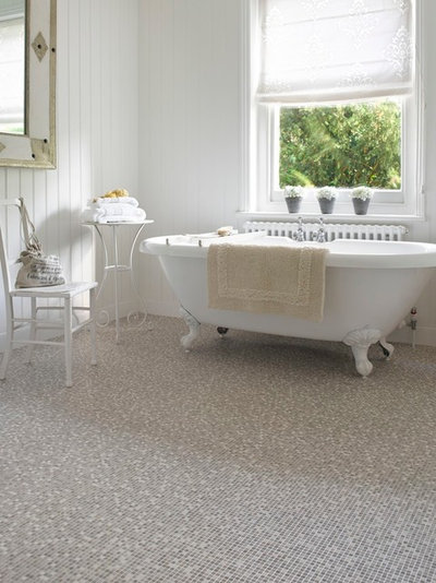 Traditional Bathroom by Carpetright