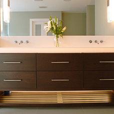 Modern Bathroom by Dalrymple   Sallis Architecture