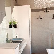 Contemporary Bathroom by Dennis and Christine Teicheira with NV design