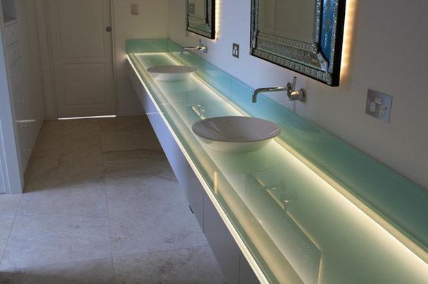 Contemporary Bathroom by Sareen Stone Pty Ltd
