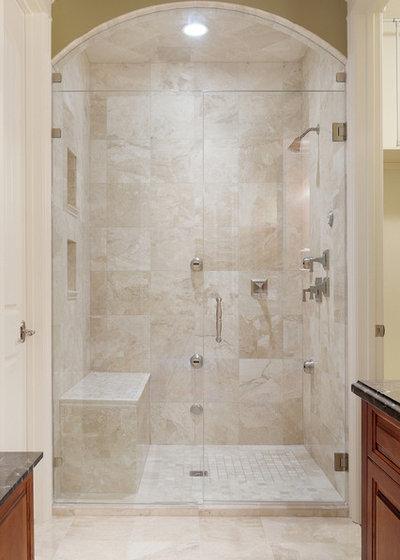 Traditional Bathroom by Veranda Estate Homes Inc.