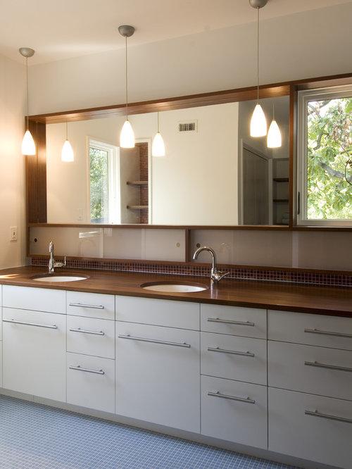 Wood trim around mirror home design ideas pictures - Decorative trim for bathroom mirrors ...