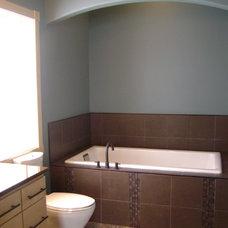 Traditional Bathroom by JORDAHL CUSTOM HOMES
