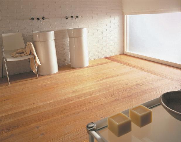 Contemporary Bathroom by Mafi Australia