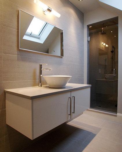 Modern Bathroom by Melissa Miranda Interior Design