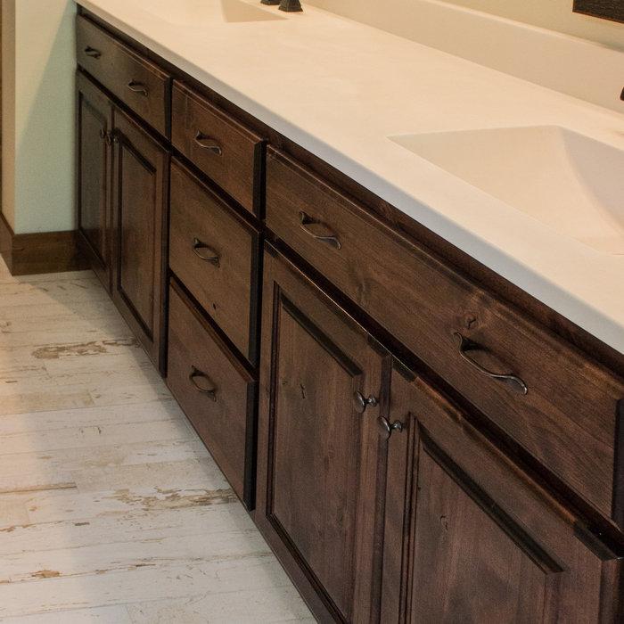 Meadows Rustic Lodge Style Home-bathroom